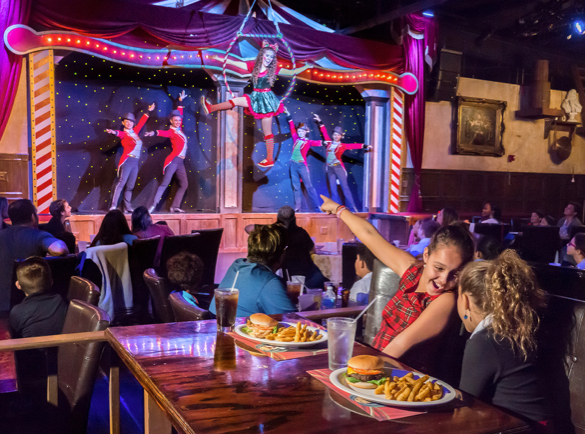 4. Dinner and A Show | How to Become The Busiest Restaurant on the Street