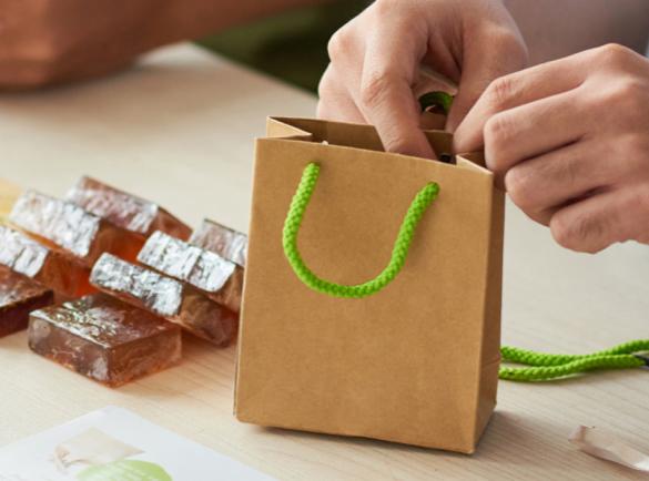 6. Offrir des échantillons de vos produits | 7 astuces pour ouvrir la discussion lors d'un salon